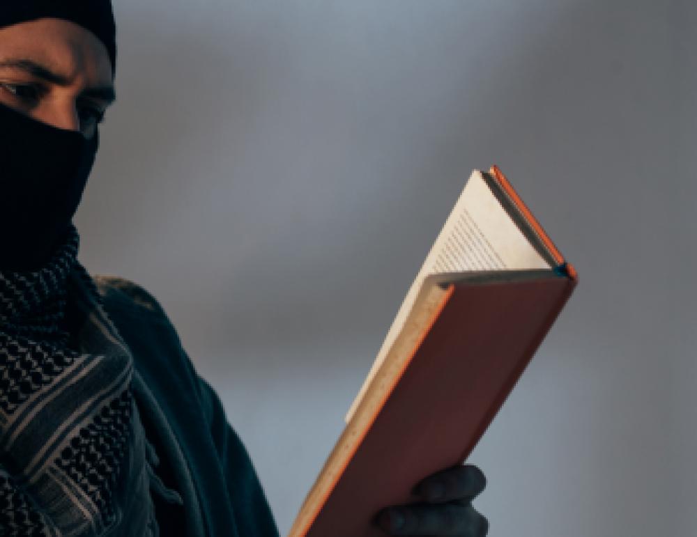 Пять запрещённых религиозных книг в Казахстане. Почему и как их авторы извращают религию?