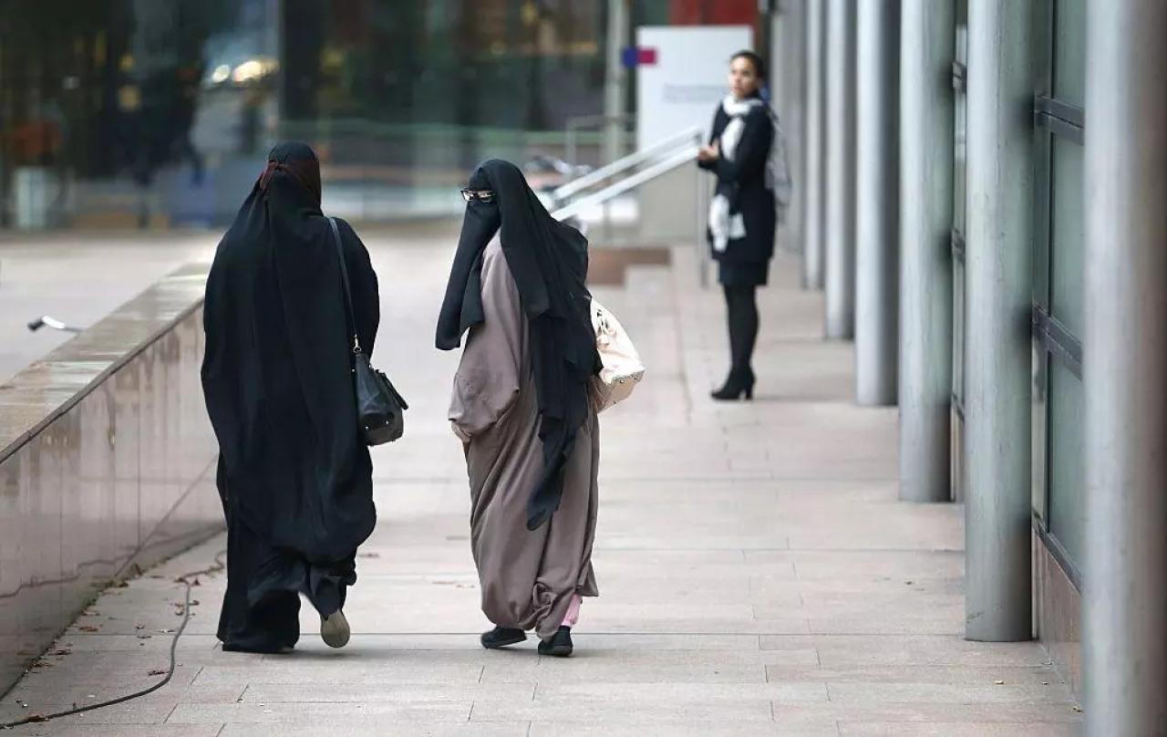 Норвегия запретила паранджу и никаб в школах