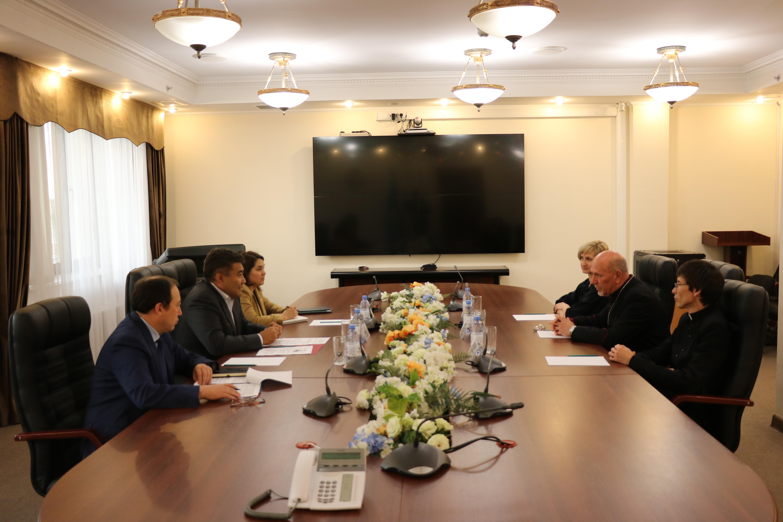 Дархан Калетаев встретился с главой Евангелическо-Лютеранской Церкви в Казахстане