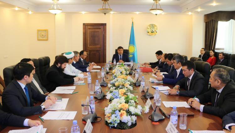 В Астане проведено заседание Совета по связям с религиозными объединениями