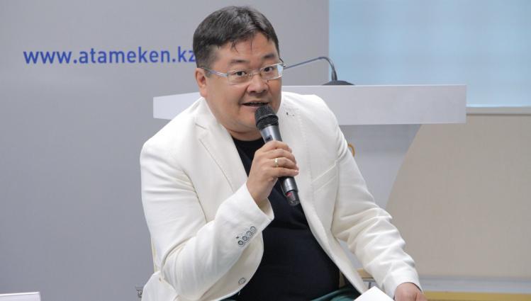 Айдос Сарым назначен советником Дархана Калетаева